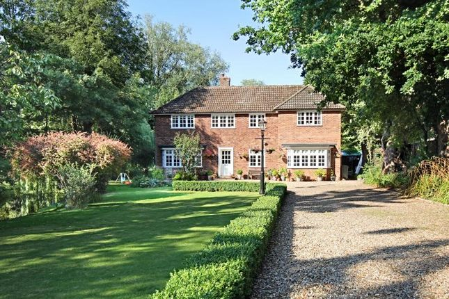 Thumbnail Detached house to rent in Cannons Mill Lane, Bishops Stortford, Herts