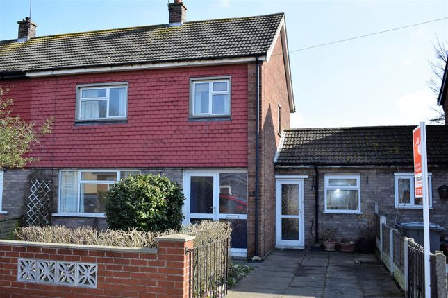 Thumbnail Semi-detached house to rent in Highfield Grove, Brigg