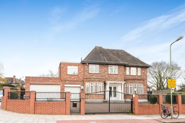 Thumbnail Detached house for sale in Chalgrove Gardens, Finchley, London