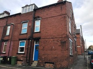Thumbnail Room to rent in Nansen Terrace, Bramley, Leeds