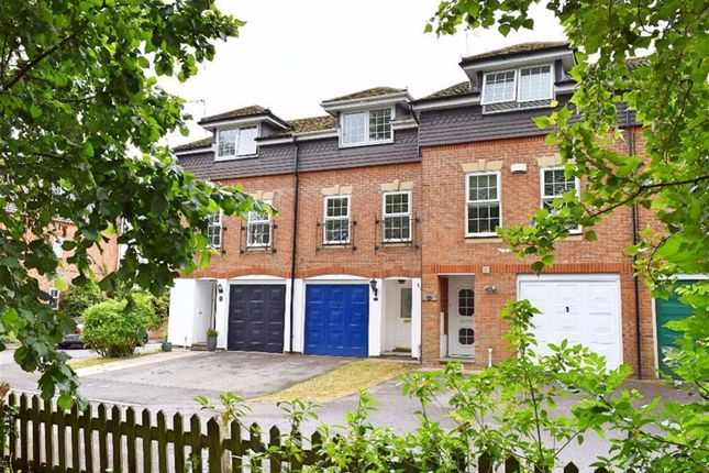 Town house in  Blackmead  Riverhead T West London