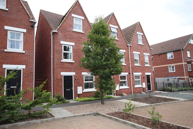 Thumbnail Town house to rent in Nether Slade Road, Ilkeston