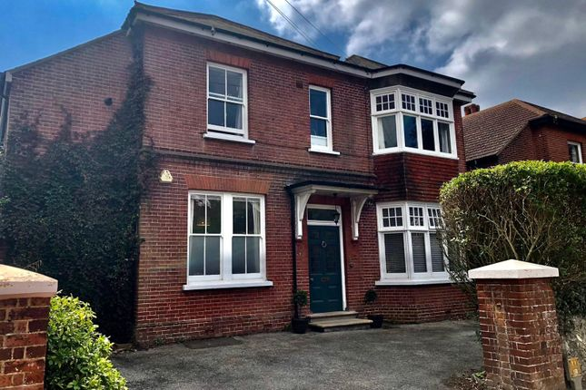 Thumbnail Flat to rent in Manor Road, Worthing