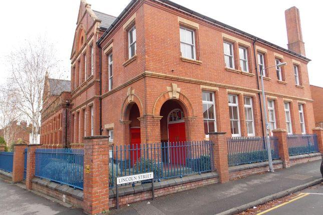 Thumbnail Flat for sale in Euclid Street, Swindon