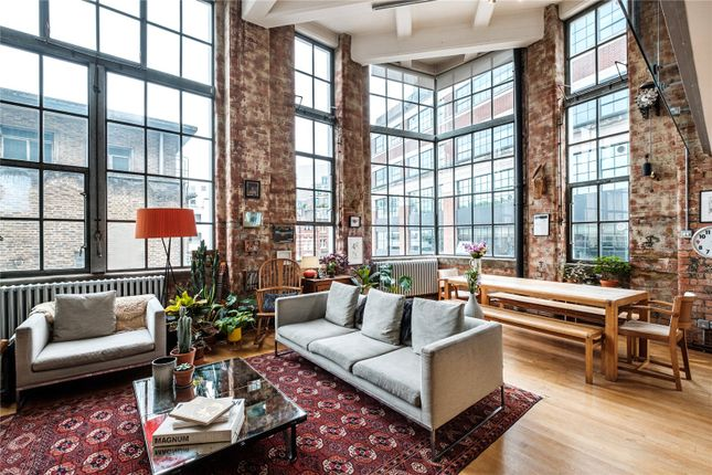 Thumbnail Flat for sale in Summers Street, London