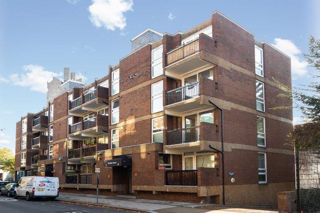 Thumbnail Flat to rent in Sheridan House, Kennington