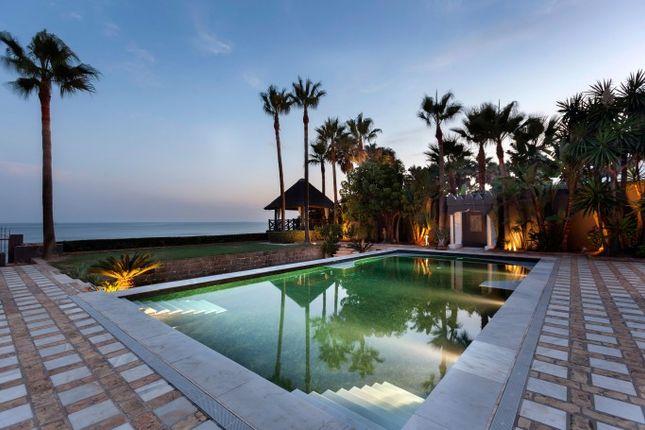 Thumbnail Villa for sale in Los Monteros Playa, Marbella East (Marbella), Costa Del Sol