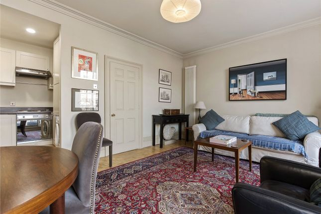 Reception Room of New North Road, Hoxton, London N1