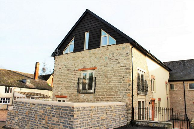 Thumbnail Mews house to rent in Hele Manor Barns, Hele, Taunton