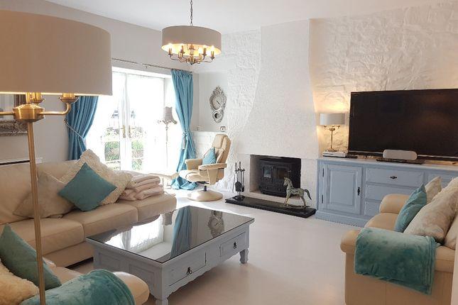 Thumbnail Flat to rent in Dunlop Terrace, Penicuik, Midlothian