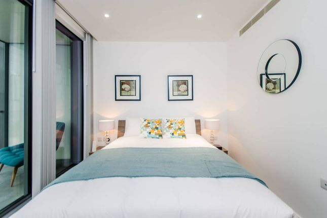 Thumbnail Flat to rent in Dollar Bay  Canary Wharf. 1 bedroom flats to let in Canary Wharf   Primelocation