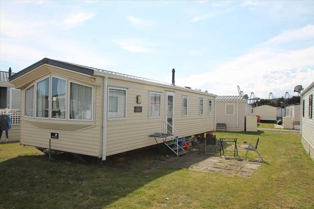 Main Picture of Suffolk Sands, Carr Road, Felixstowe IP11