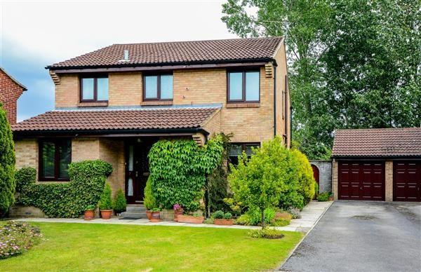 Thumbnail Detached house for sale in Laverton Gardens, Harrogate