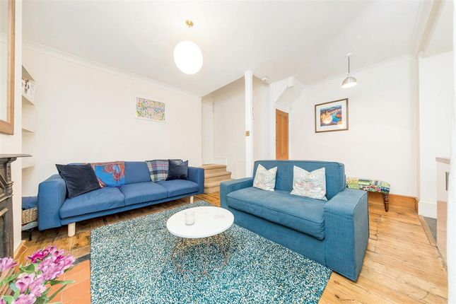 Thumbnail Flat for sale in Fernside Road, London