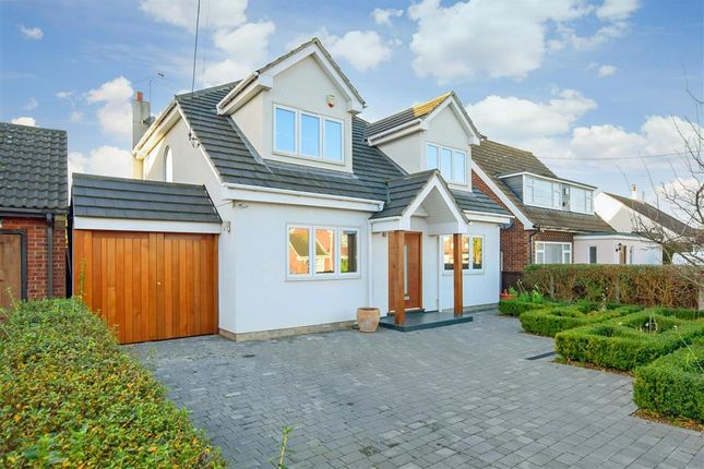 Thumbnail Detached house for sale in Kings Road, Steeple View, Essex