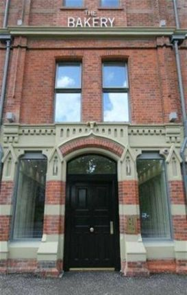 Thumbnail Flat to rent in Ormeau Road, Belfast
