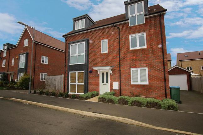 Thumbnail Detached house to rent in Greensleeves Drive, Aylesbury