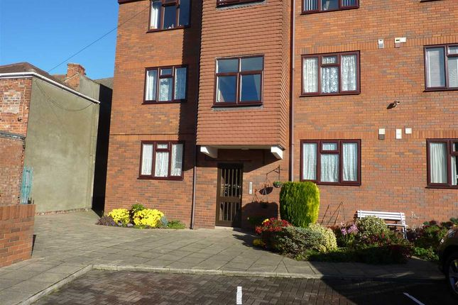 Thumbnail Flat to rent in Kingsway, Cleethorpes