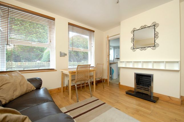 1 bed flat to rent in Duncombe Hill, London