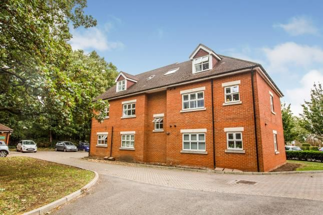 Thumbnail Flat for sale in St. Ronans View, Dartford, Kent