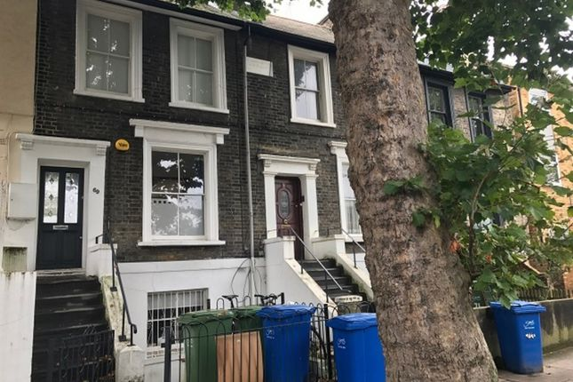 Thumbnail Flat to rent in Warner Road, London