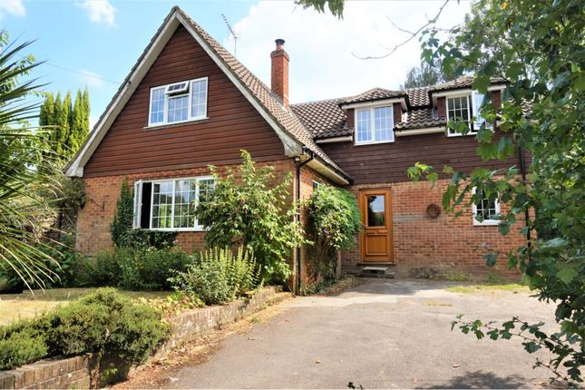 Thumbnail Detached house for sale in Hamsey Road, East Grinstead