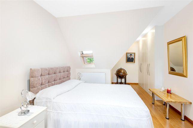 Bedroom of Erconwald Street, London W12