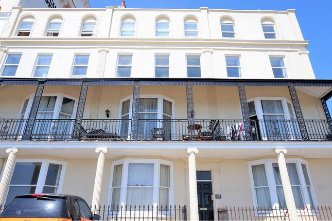 2 bed flat for sale in Kings Road, Brighton