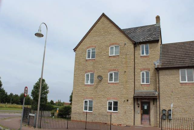 Thumbnail Flat to rent in The Avenue, St Georges, Weston-Super-Mare
