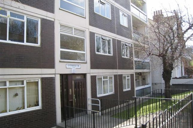 4 bed flat to rent in Peterborough Road, London