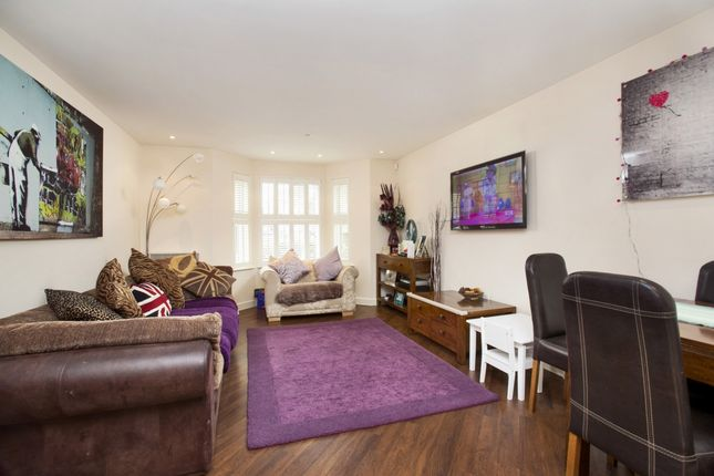 Thumbnail Flat for sale in Acton Lane, Chiswick