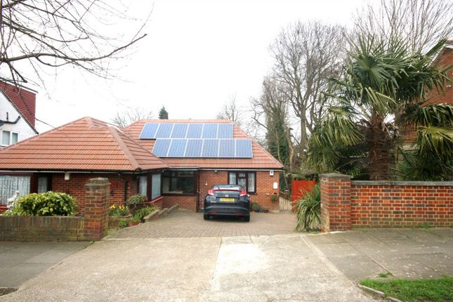 Thumbnail Detached house to rent in Mount Road, Barnet, Hertfordshire