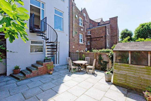 Thumbnail Property for sale in Bramshill Gardens, London