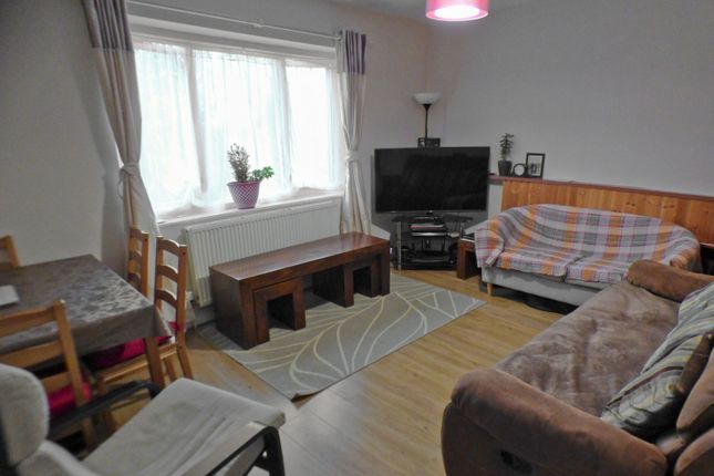 Lounge of Oakleigh Court, East Barnet EN4