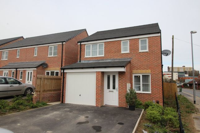 Picture No. 14 of Friarwood Avenue, Pontefract, West Yorkshire WF8