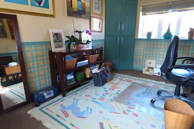 Bedroom 3 of Norfolk Gardens, Borehamwood WD6