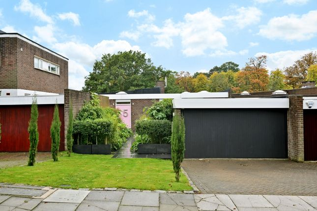 Thumbnail Bungalow to rent in Tollgate Drive, London