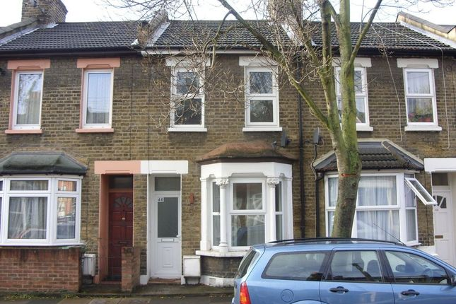 2 bed terraced house to rent in Glenavon Road, London