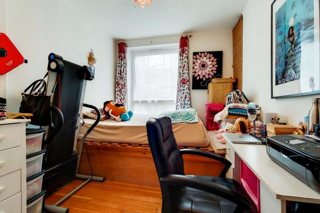 Master Bedroom of Bromley High Street, London E3