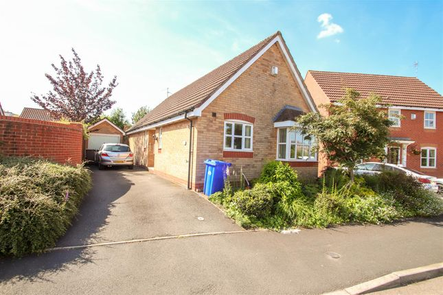 Thumbnail Bungalow to rent in Heron Close, Packmoor, Stoke-On-Trent