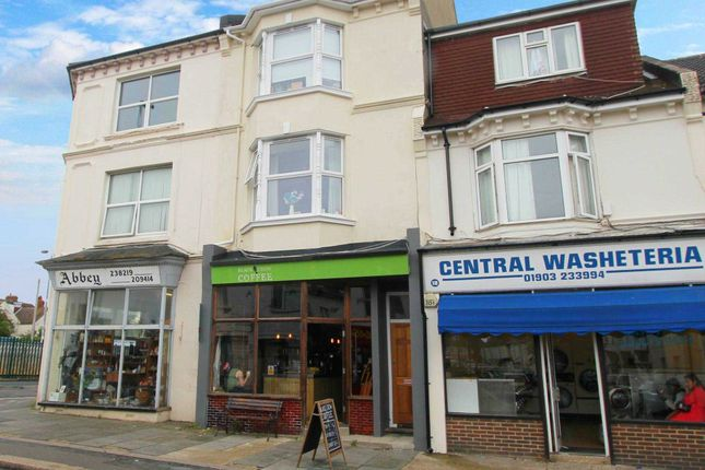 Thumbnail Flat to rent in South Farm Road, Broadwater, Worthing