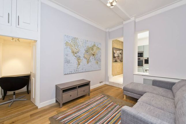 Thumbnail Flat to rent in Kings Court North, Kings Road, London