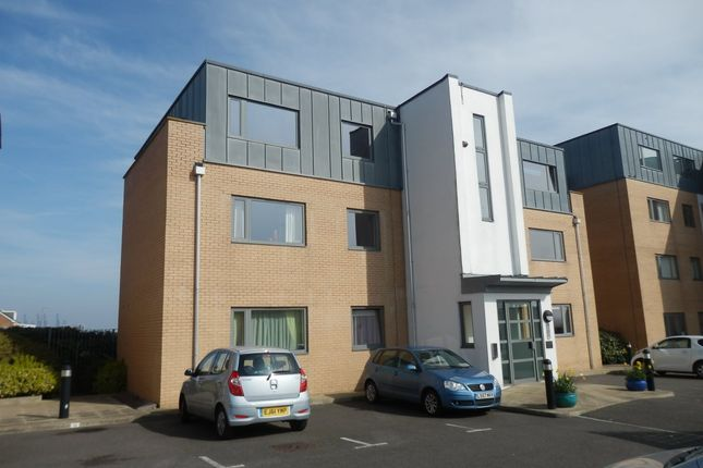 Flat for sale in Lower Marine Parrade, Dovercourt