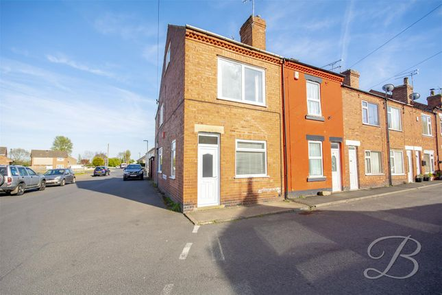 3 bed end terrace house to rent in Sookholme Road, Shirebrook, Mansfield NG20