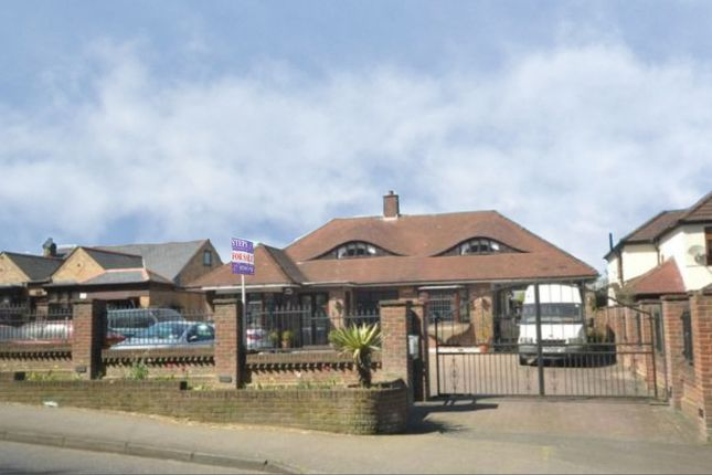 Thumbnail Detached bungalow for sale in North Road, Havering-Atte-Bower, Romford