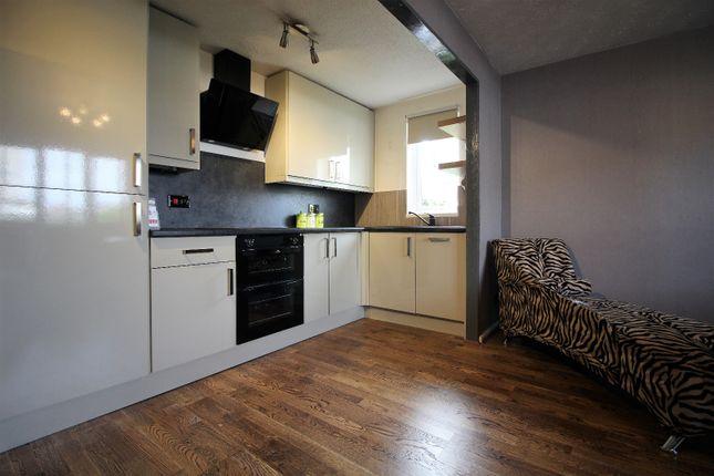 Thumbnail Flat to rent in Buchanan Street, Blackpool