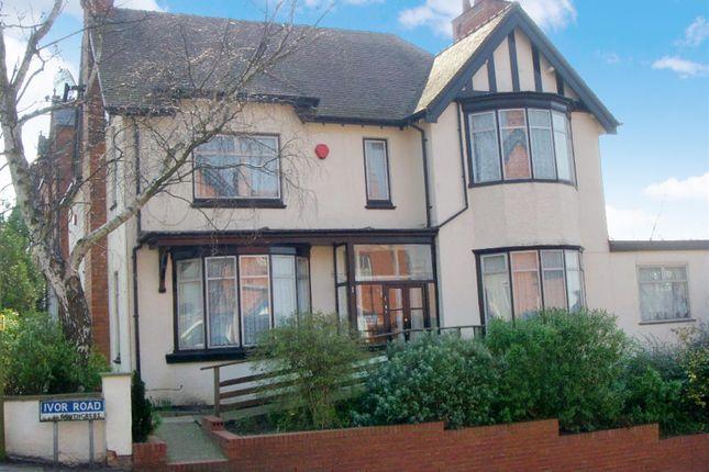 Thumbnail Studio to rent in Ivor Road, Redditch