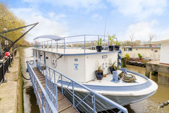 Thumbnail Houseboat to rent in Prospect Of London, Lightermans Walk, Wandsworth