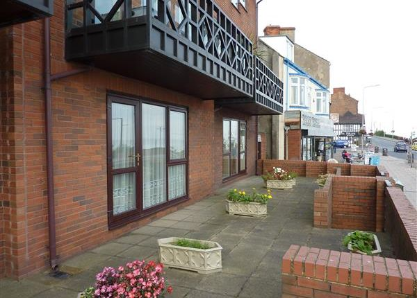 Thumbnail Flat for sale in Kingsway, Cleethorpes