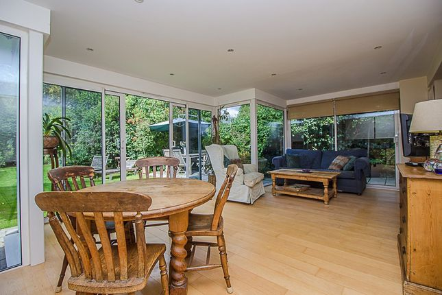 Family Room of Church Road, East Molesey KT8